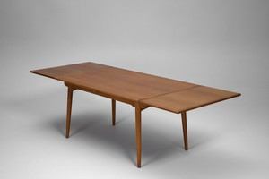 'AT 312' Dining Table