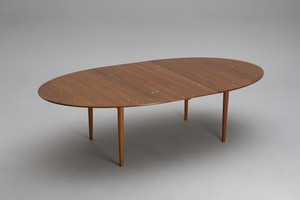 'Judas' Extending Dining Table