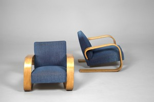 Pair of Tank Chairs No. 400