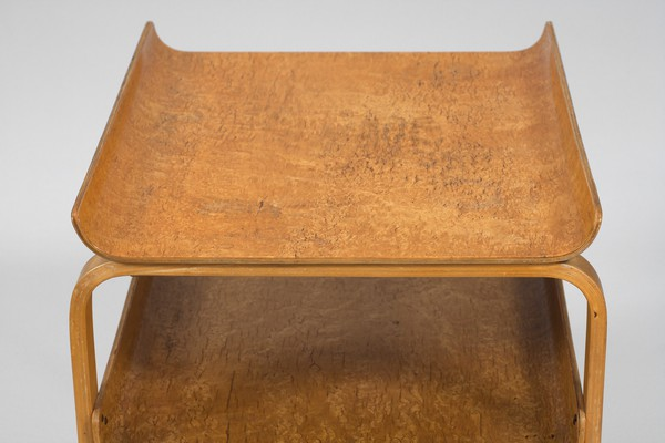 Table Model No. 915