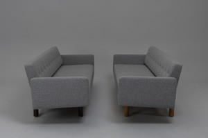 Pair of 'New York' Sofas, Model no. 5316