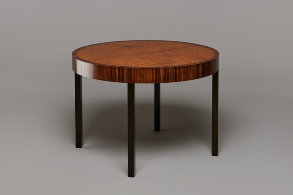 'Record' Extending Dining Table
