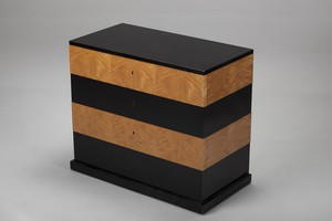 'Grand' Chest of Drawers