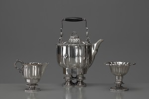 Footed Tea Set