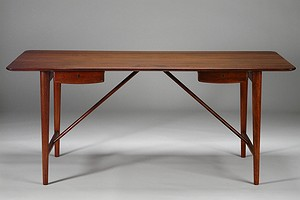 Peter Hvidt-Desk