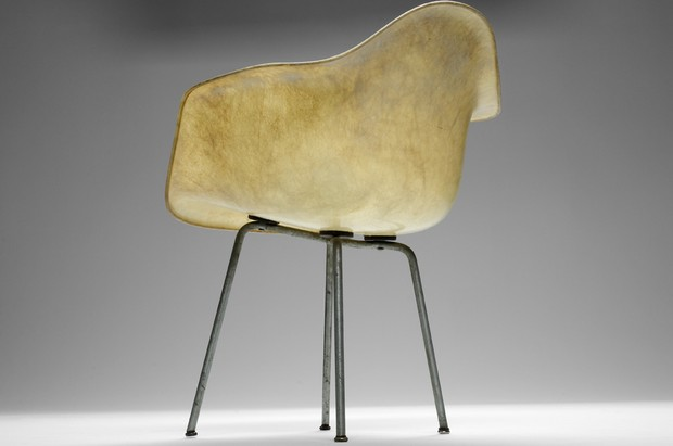 Large image of Eames Chair