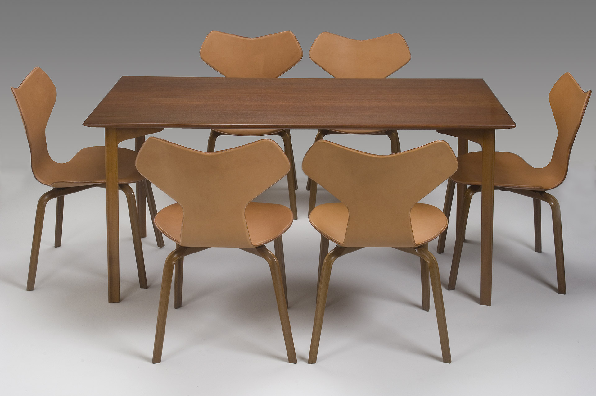 Grand Prix Dining Set