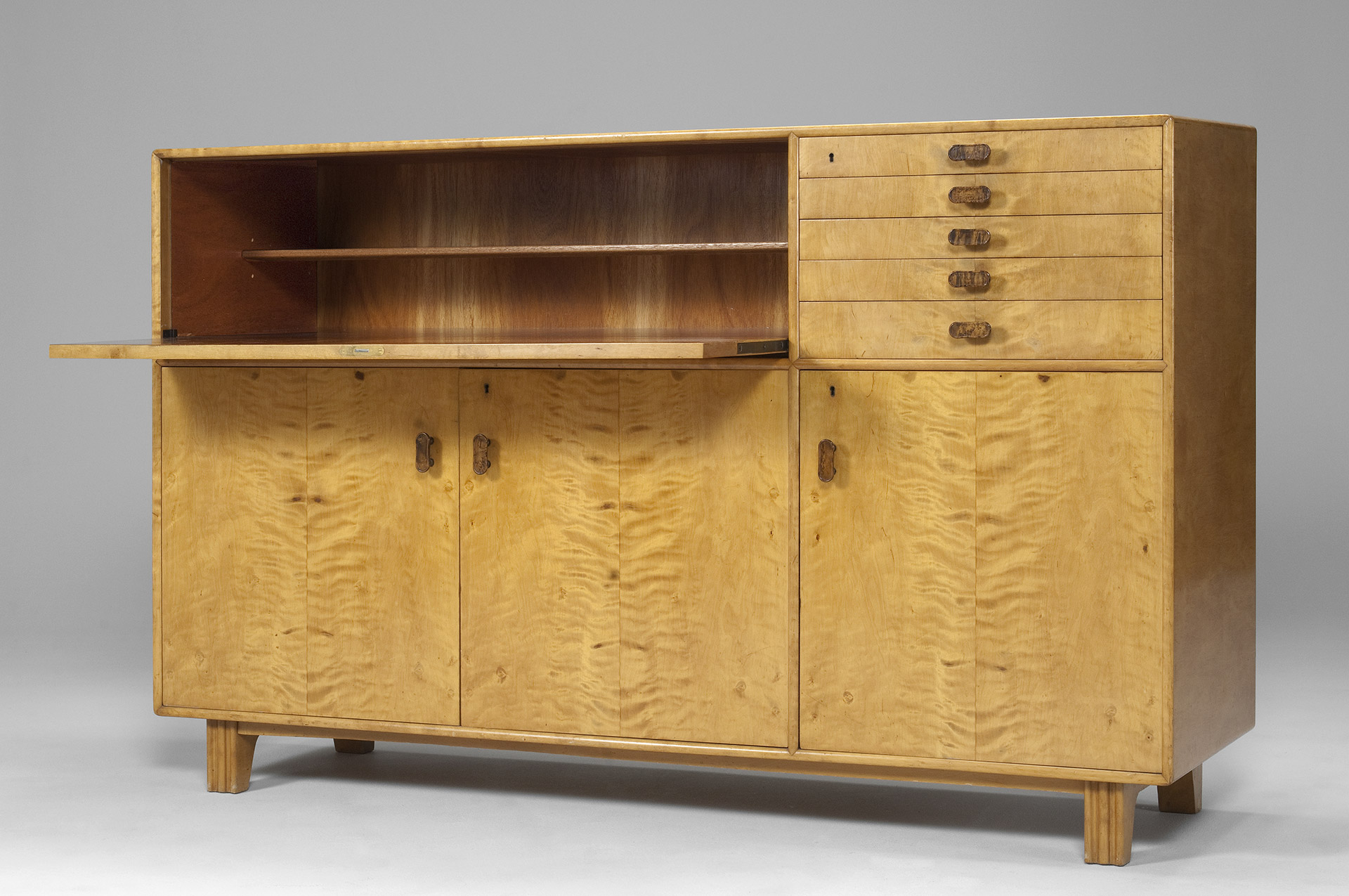 Axel Larsson Cabinet