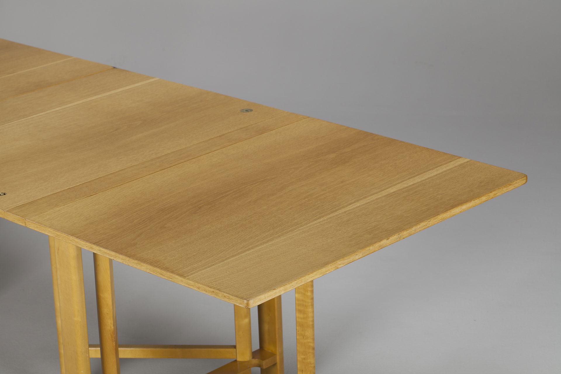 "Early ""Maria Flap"" Table"