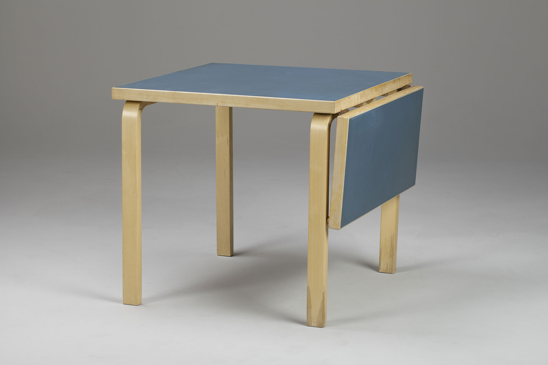 jacksons table alvar aalto. Black Bedroom Furniture Sets. Home Design Ideas