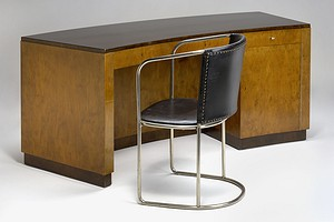 Hjort Desk & Chair