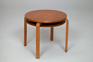Alvar Aalto Table No.70