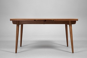 Wegner Extendable  Dining table