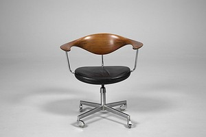 Hans J. Wegner Swivel Chair