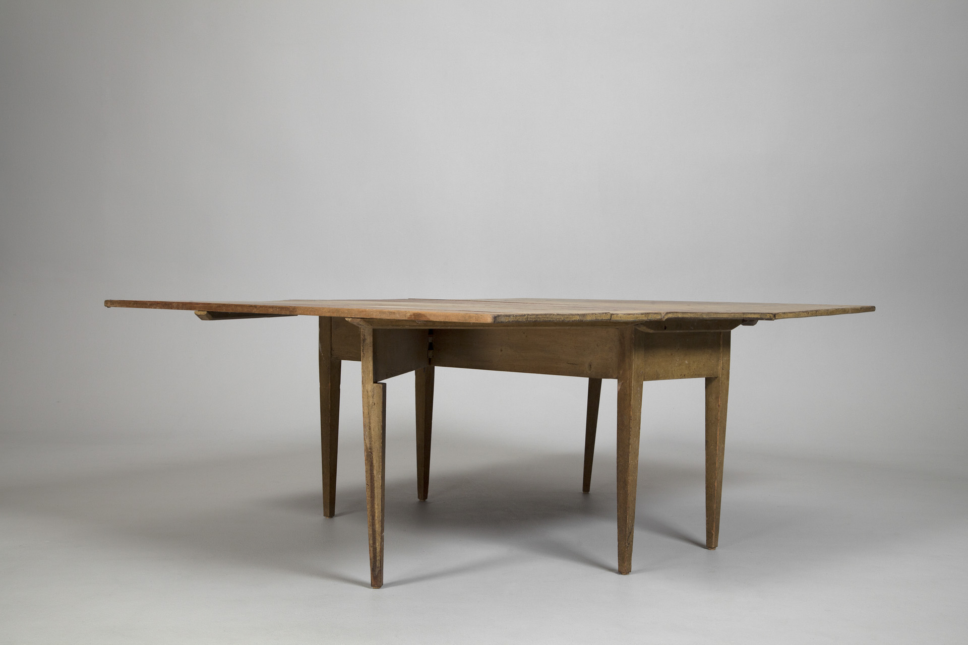 Large Gateleg table