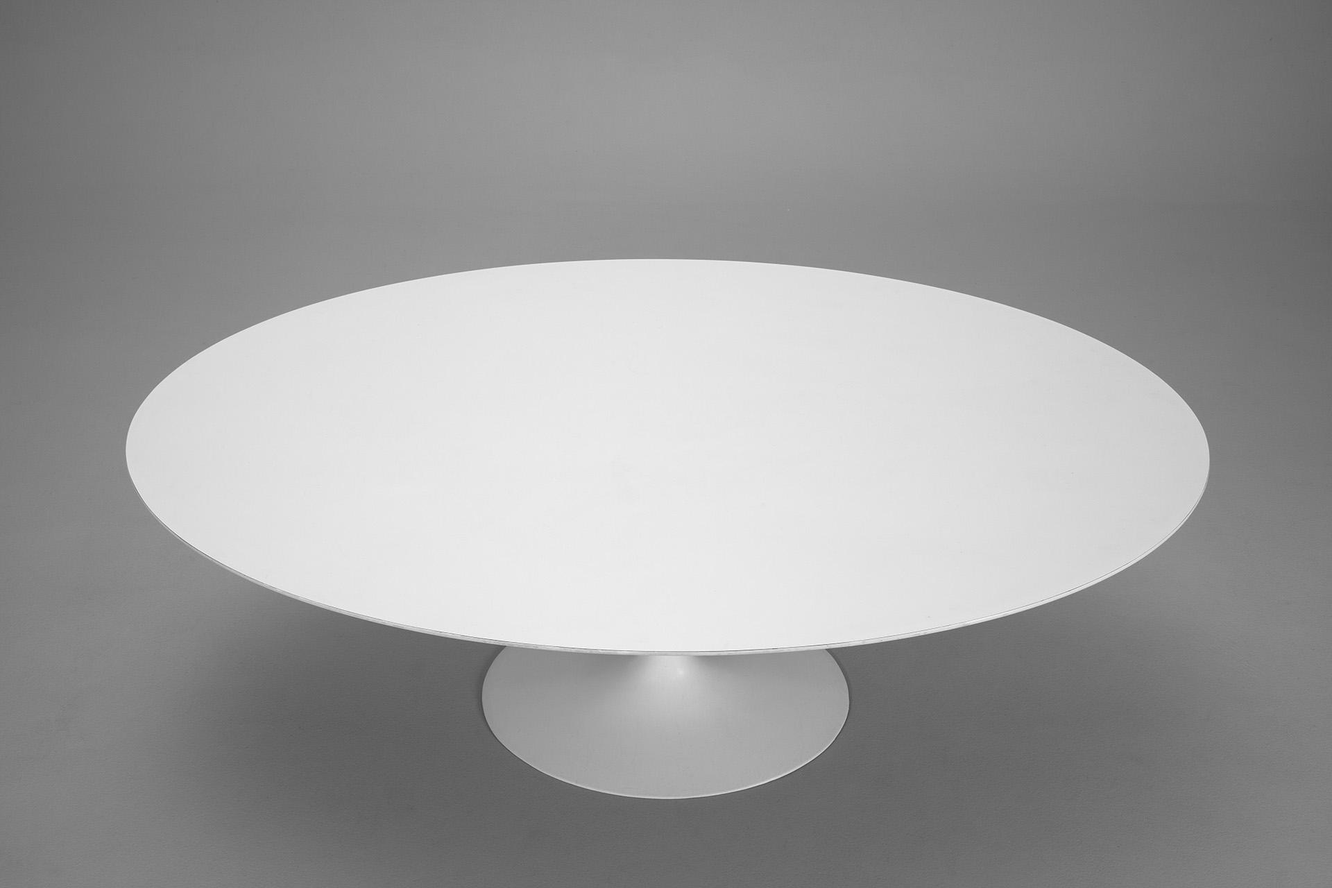 Jacksons Oval Tulip Table Eero Saarinen