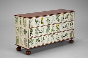 """Flora"" Chest of Drawers"
