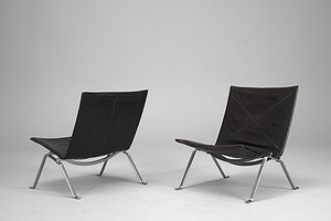 Pair of PK 22 chairs