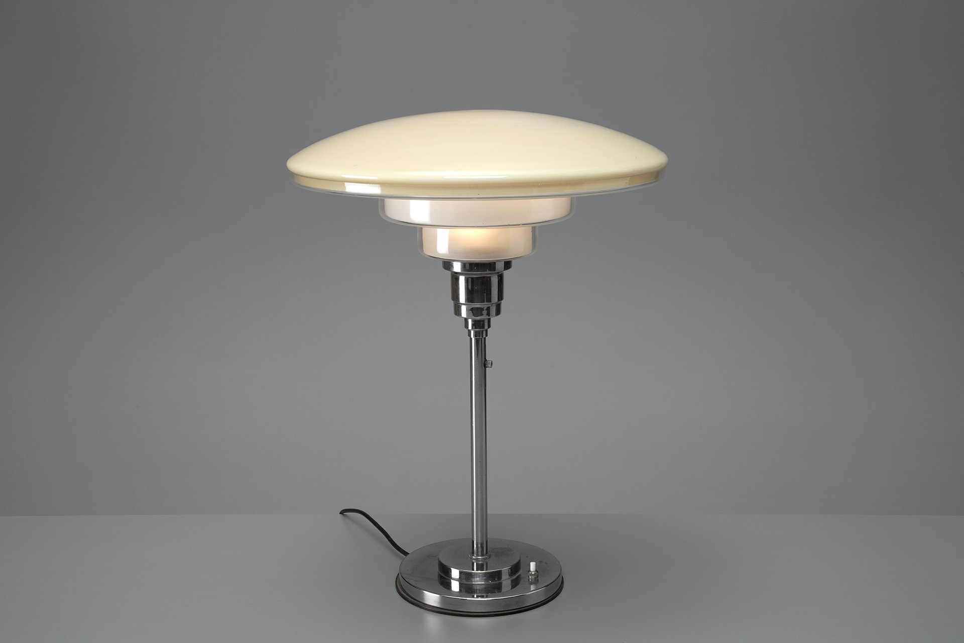 Jacksons extra large sistrah table lamp cf otto mller extra large sistrah table lamp aloadofball Gallery
