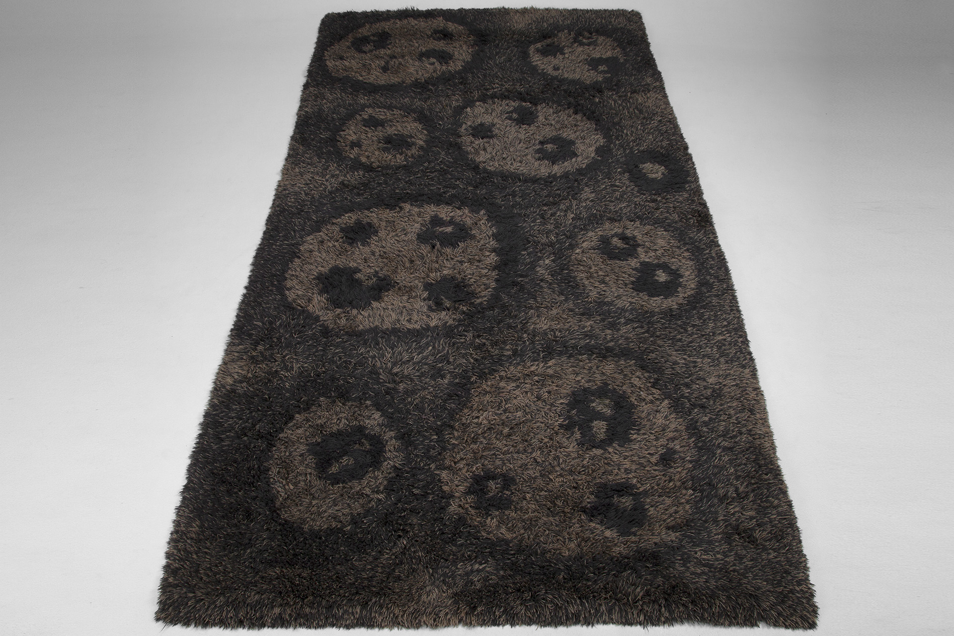 "The ""Bear Paw"" Carpet"