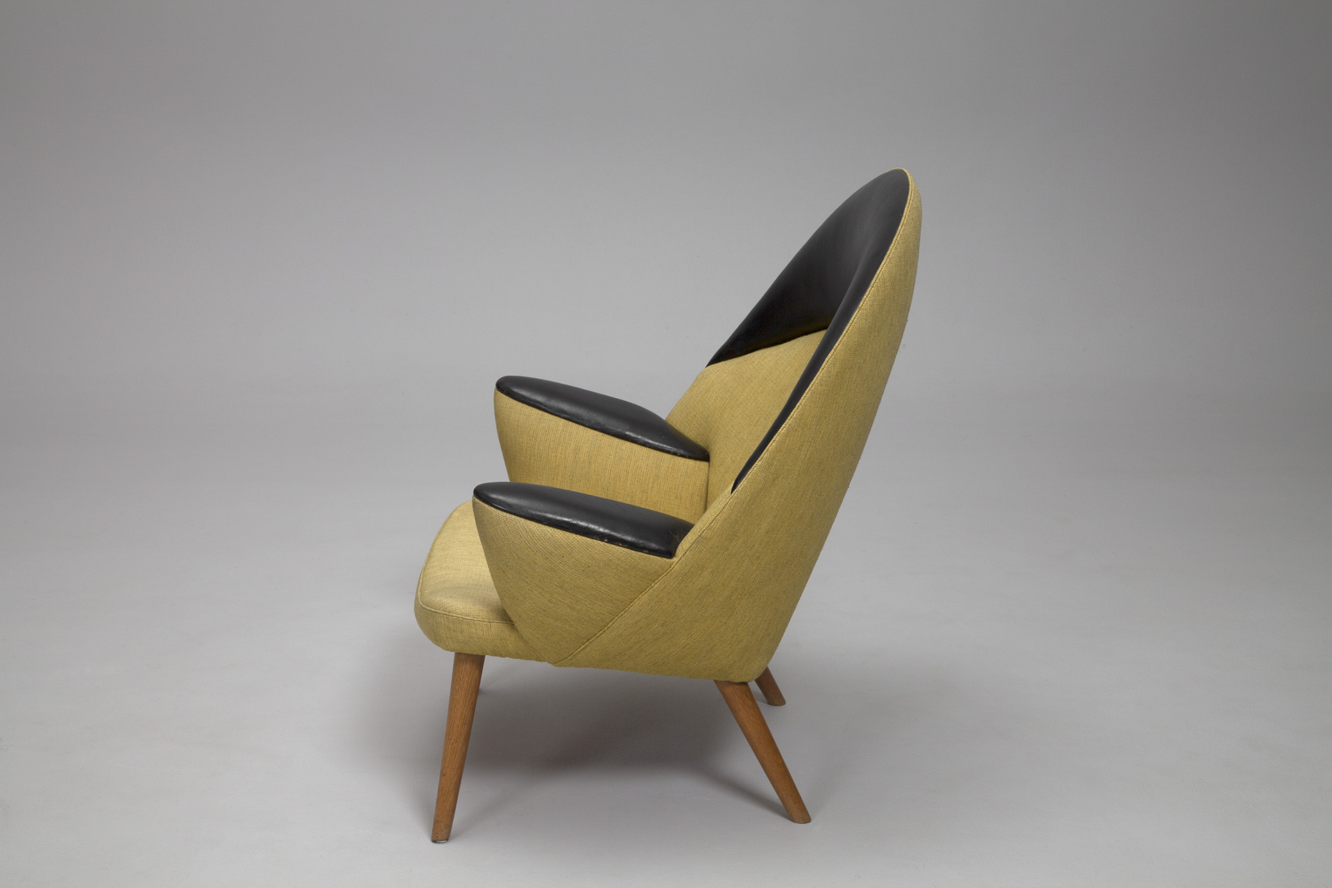 Easy chair JH 521