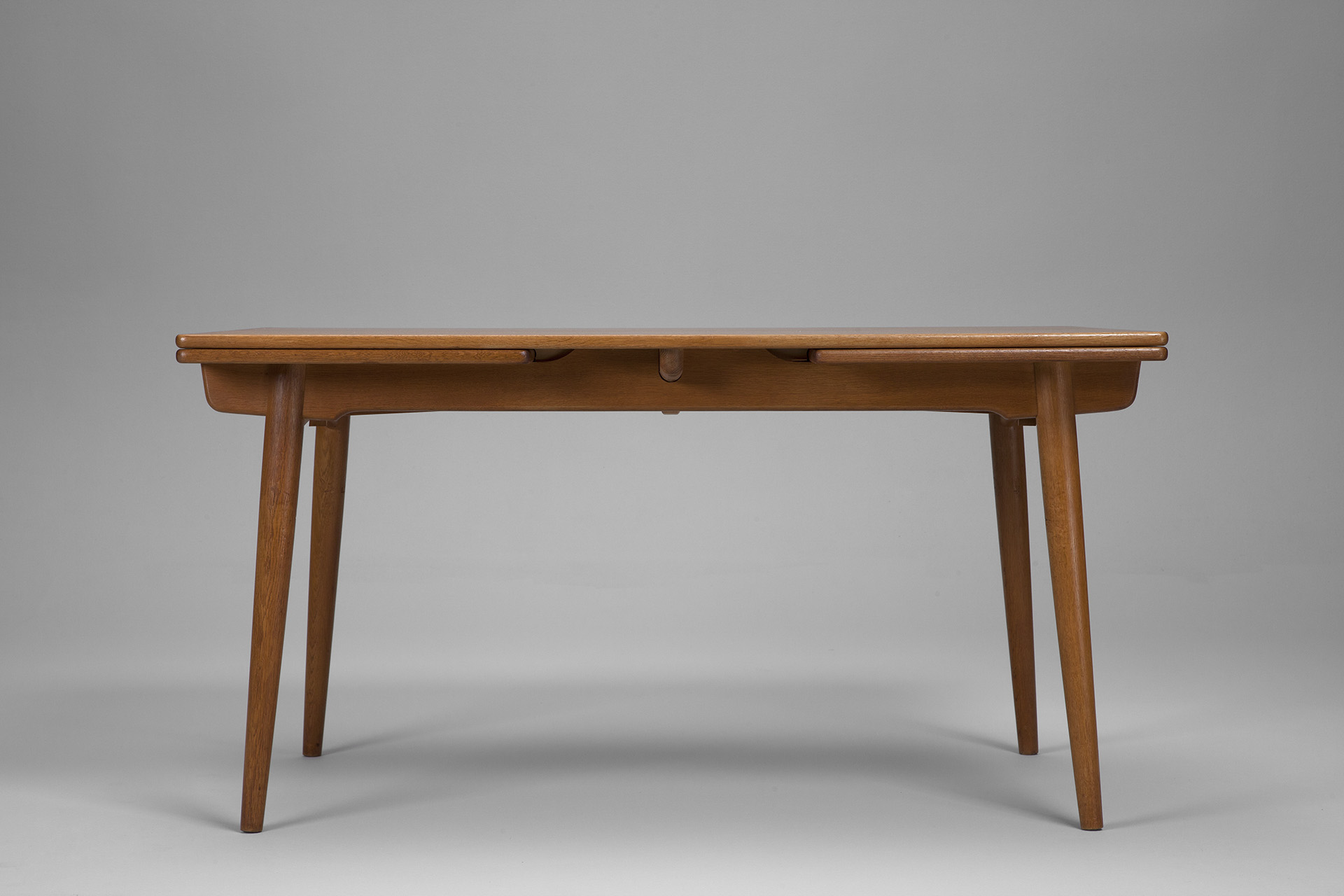 "Dining Table ""AT 312"""