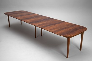 Extendable DiningTable