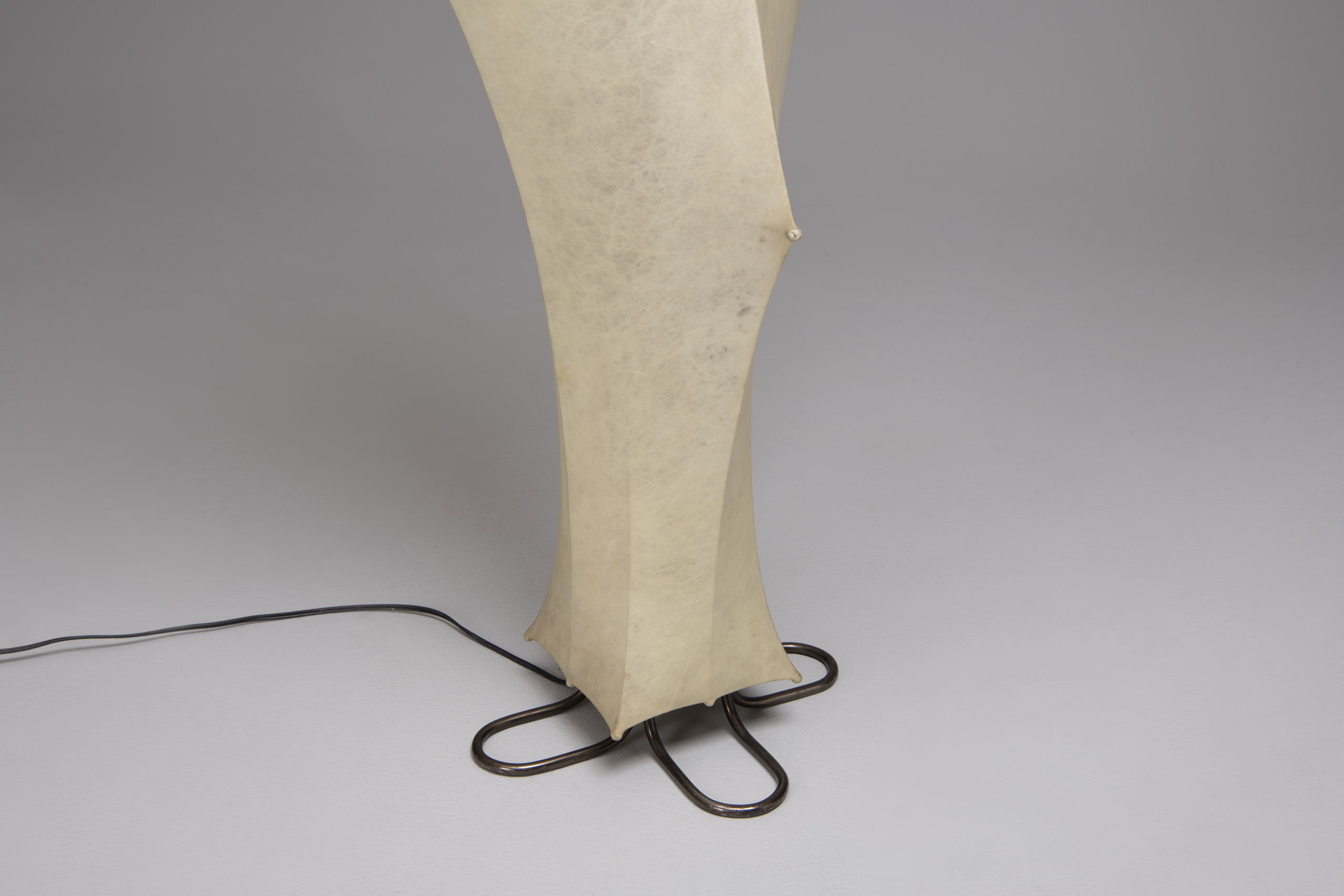 """Fantasma"" floor lamp"